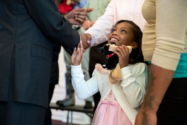 Addicting Info – The 15 Most Awesome Obama Photos Of 2014 (IMAGE GALLERY)