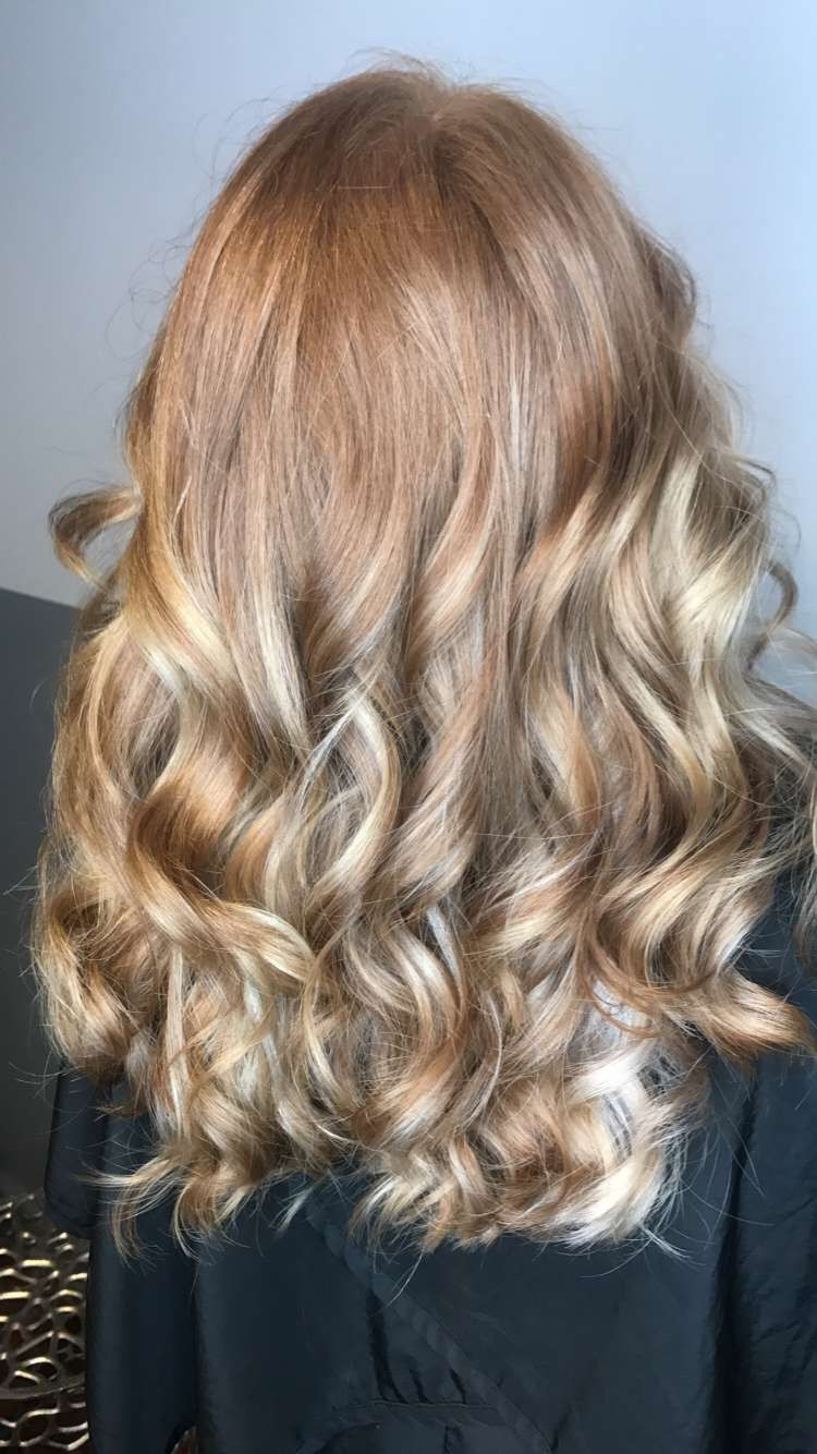 Light Strawberry Blonde Hair With Balayage Pale Blonde Highlights