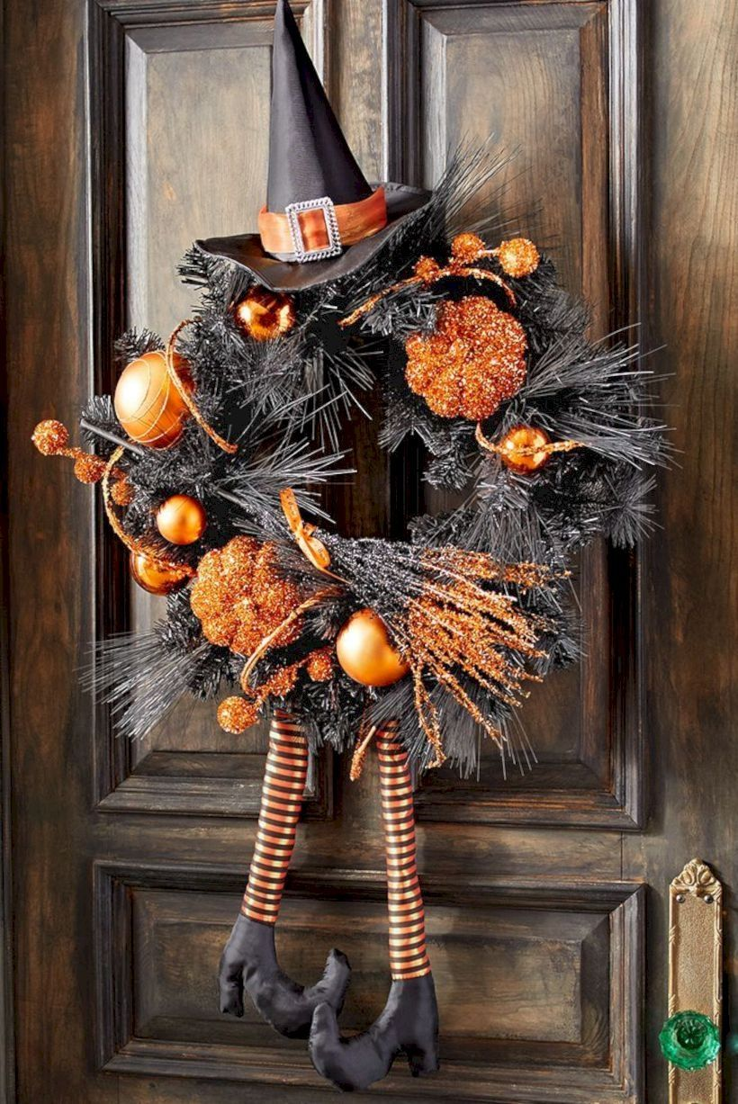 31 Best Halloween Wreaths For Any Space To Inspire