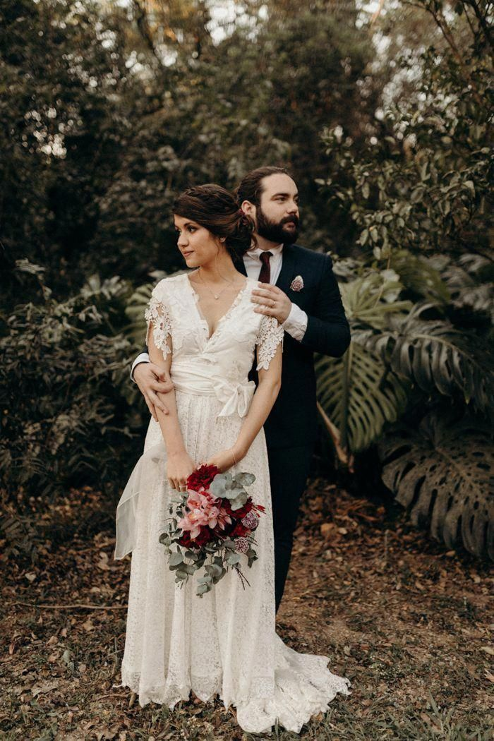 Filled with pops of pink, this earthy wedding had the sweetest romantic atmosphere | Image by Vic Bonvicini Photography