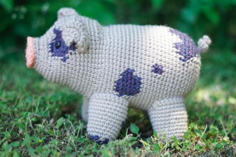Ami Little Creature: Pig pattern by LittleOwlsHut | 319x480
