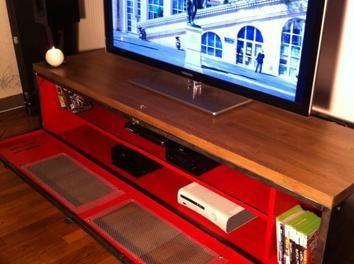 ancien vestiaire deviendra meuble tv industriel meuble tv casier vestiaire meuble pinterest. Black Bedroom Furniture Sets. Home Design Ideas