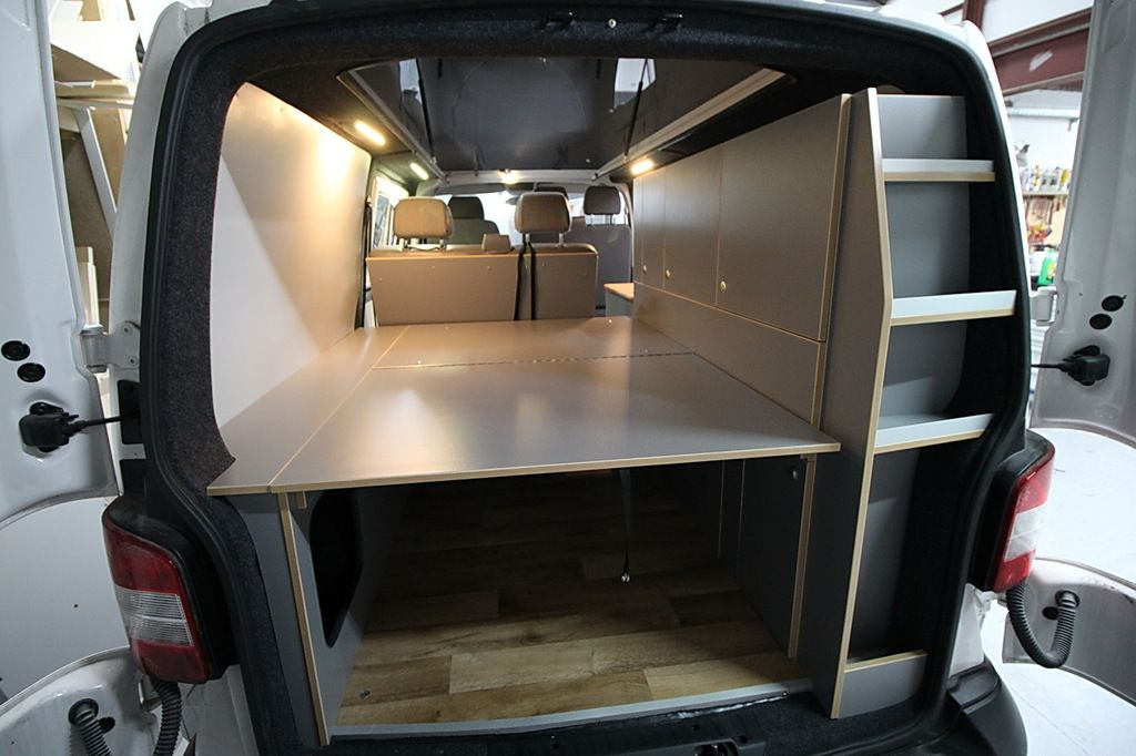 easy camper germany vw bus t5 ausbau wir sind. Black Bedroom Furniture Sets. Home Design Ideas