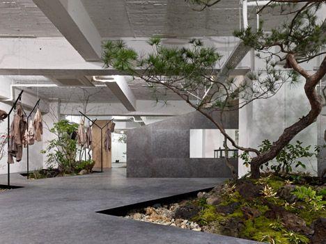 Sisii Office And Showroom By Yuko Nagayama And Associates Showroom Design Interior Garden Outdoor Living Design