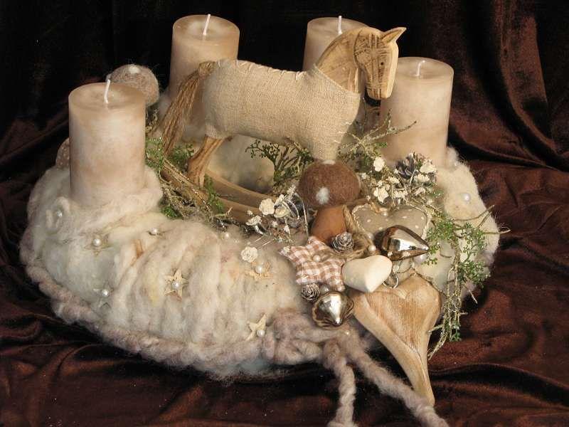 adventskranz filz mit schaukelpferd von fleuromantic auf winter pinterest xmas. Black Bedroom Furniture Sets. Home Design Ideas