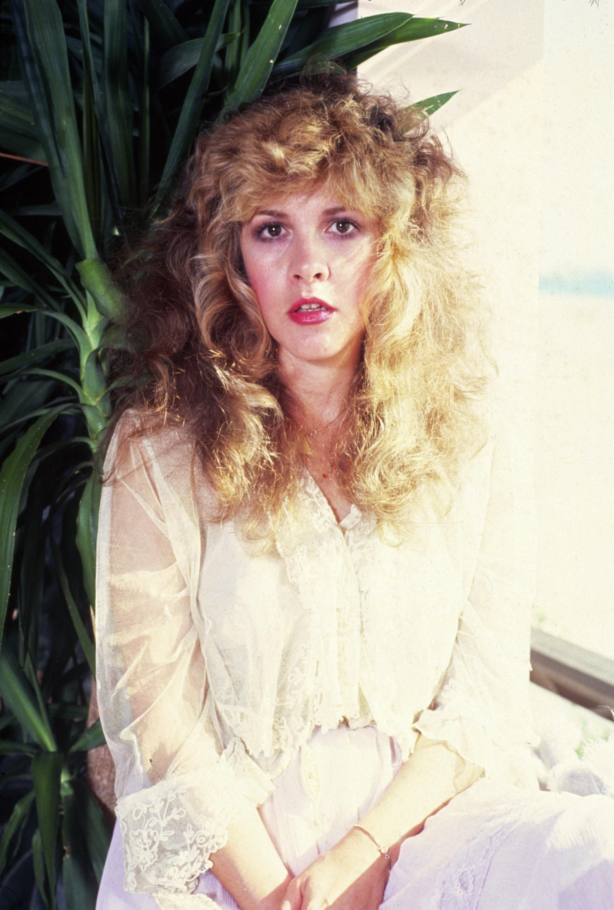Pin By Stylecaster Beauty On Stevie Nicks Stevie Nicks Style Stevie Stevie Nicks