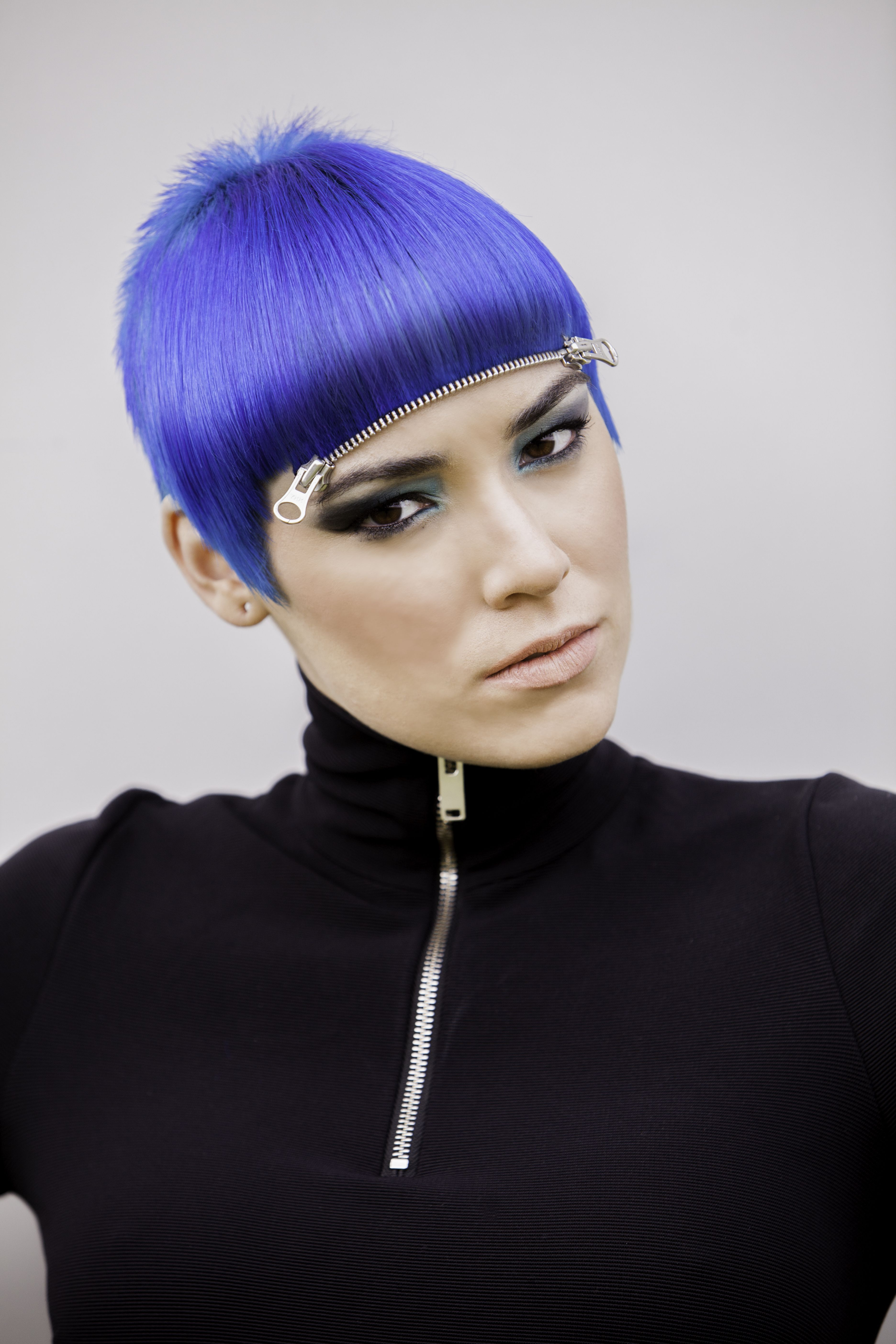 Blue hair & zip