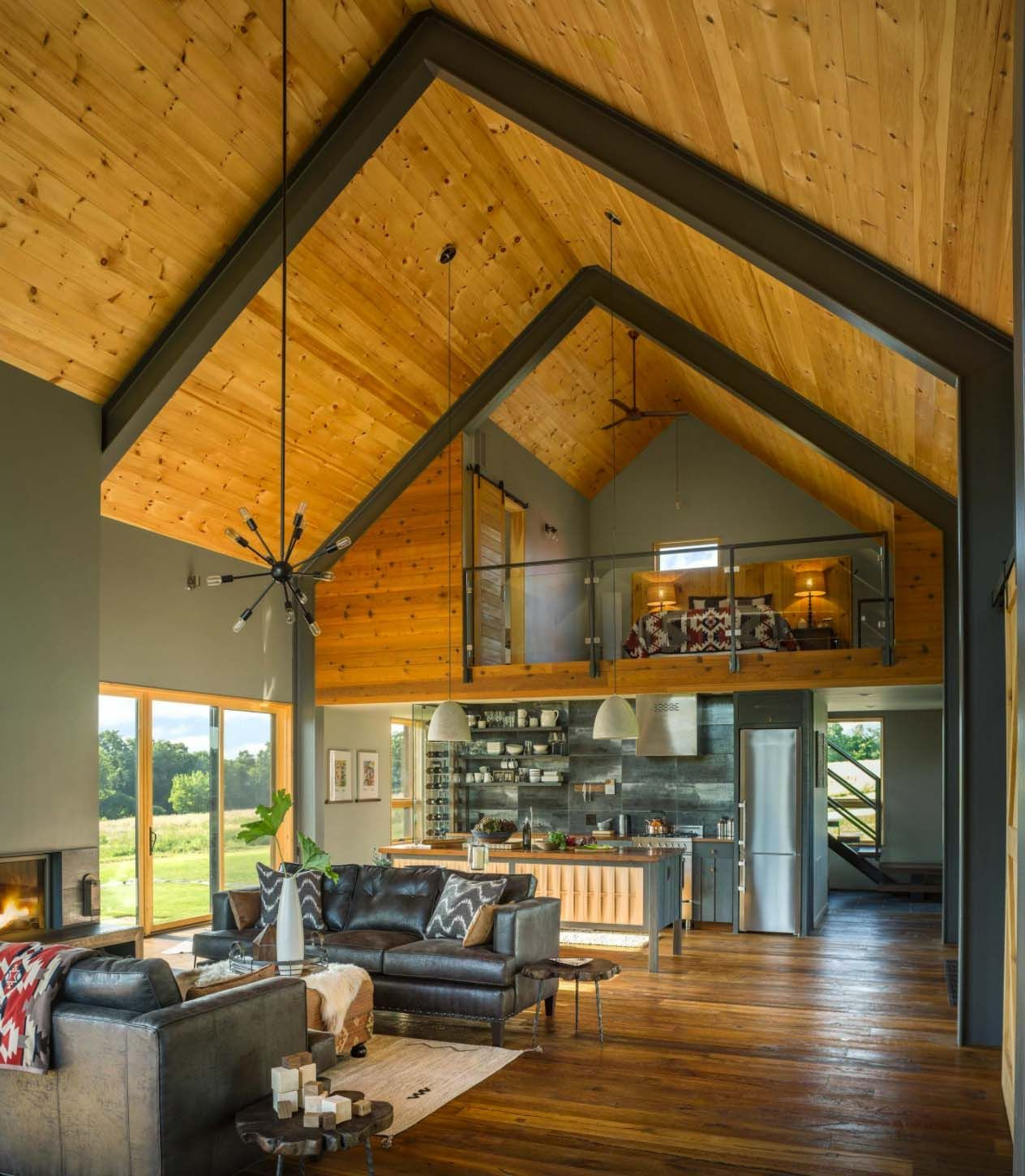Modern Home Plans With Lofts: Small And Cozy Modern Barn House Getaway In Vermont