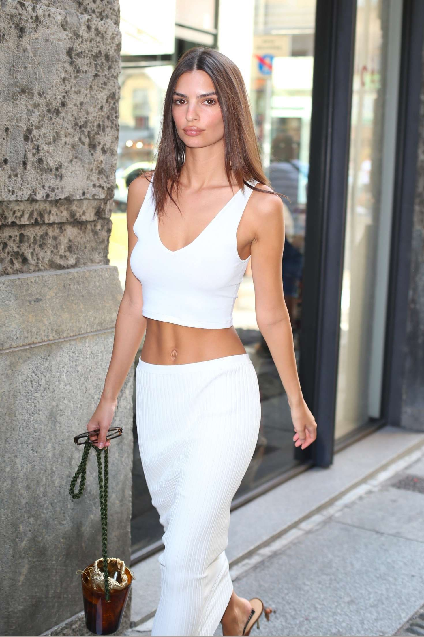 7aaf76fcae4c2f Emily Ratajkowski in White Crop Top - Out in Milan