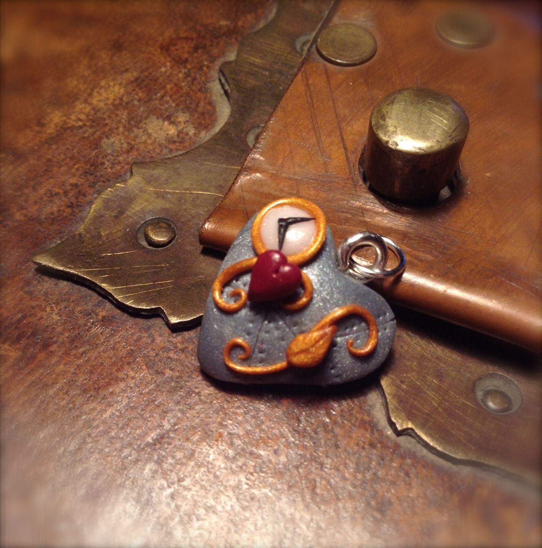 Coeur Steampunk pendentif coeur steampunk,imitation métal, petite montre,petit coeur