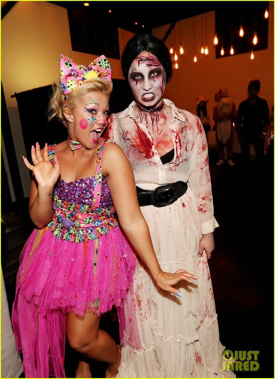 Demi lovato dead zombie halloween costume 2013 halloween demi demi lovato dead zombie halloween costume 2013 halloween demi lovato photos kristyandbryce Choice Image