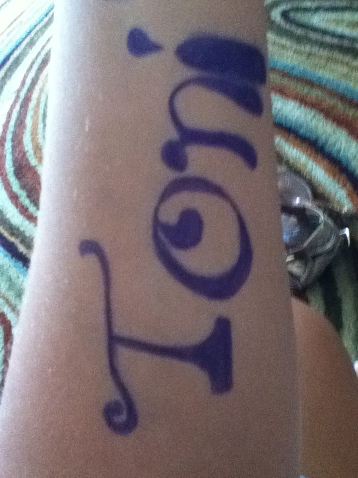 Look lol i drew this on my arm cuz i was bored this morning!!