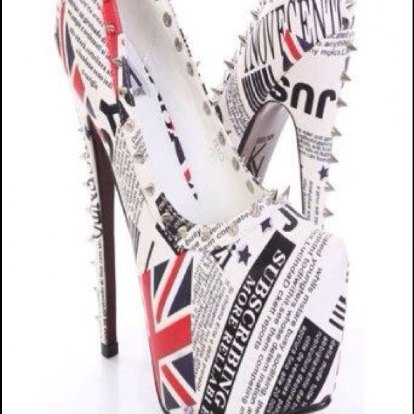 Never used beautiful heels in box Final price drop✨ must go✨Simply gorgeous. Shoes Heels