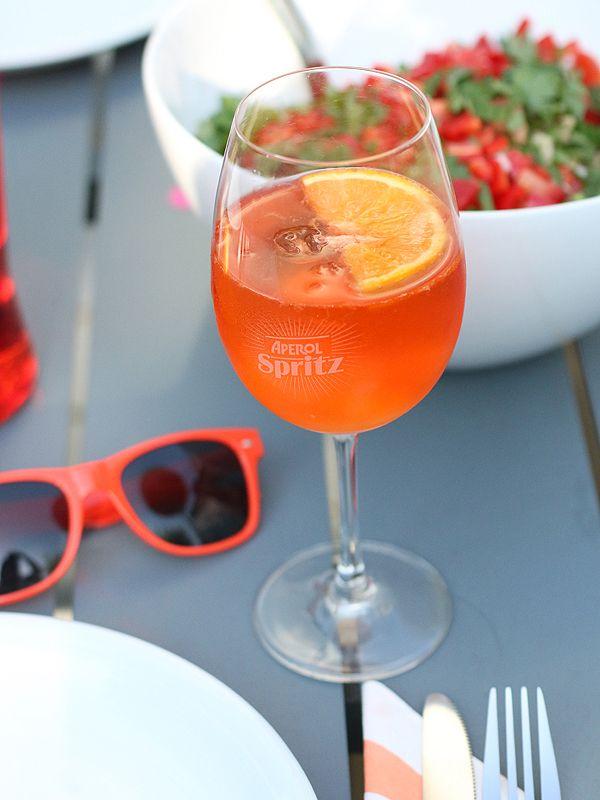 Aperol Spritz mit Orangen-Aperol-Sorbet | 23qm Stil