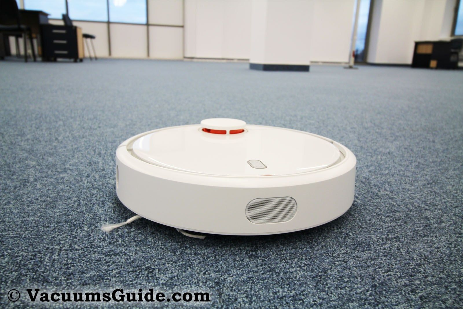 Xiaomi Mi robot vacuum cleaner - what lays behind the hype