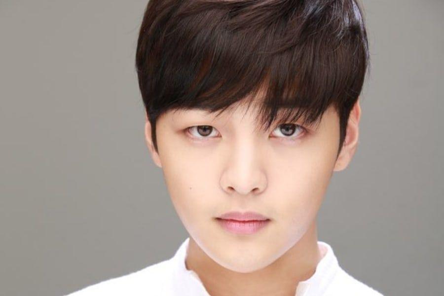 Korean Actors Who Were Once K Pop Idol Trainees Soompi Korean Actors Pop Idol Actors