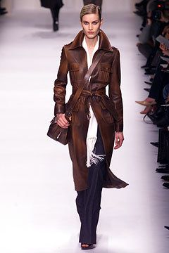 bdae9db4dd94 Céline Fall 2002 Ready-to-Wear Fashion Show - Delfine Bafort (PREMIUM)