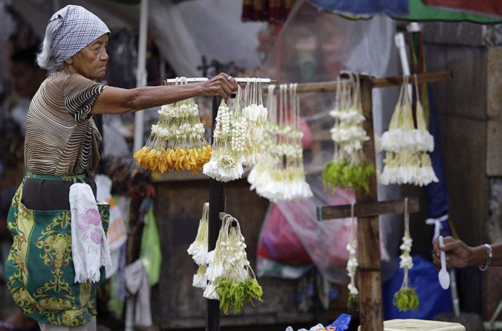 24 Hours In Pictures Philippines Culture Sampaguita Philippine Holidays
