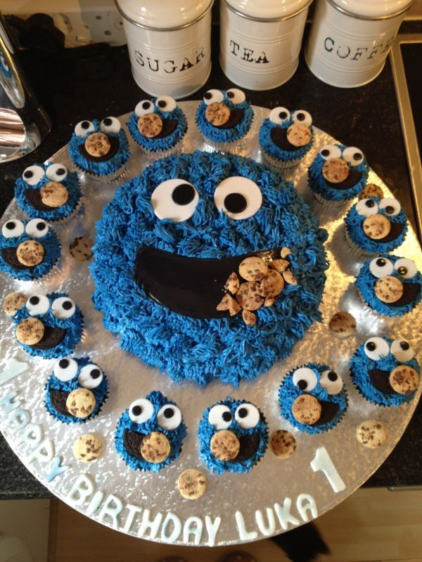 Cookie Monster Birthday Cake with Cupcakes httplollipopscakes