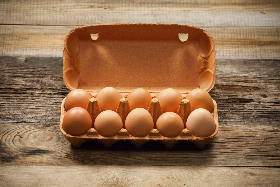 ¿Por qué es mejor conservar los huevos en su caja?