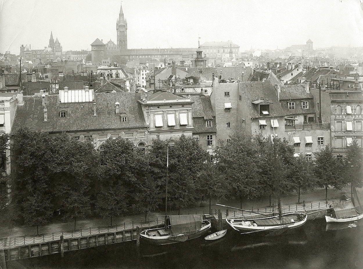 Старый кенигсберг фото военного на мосту