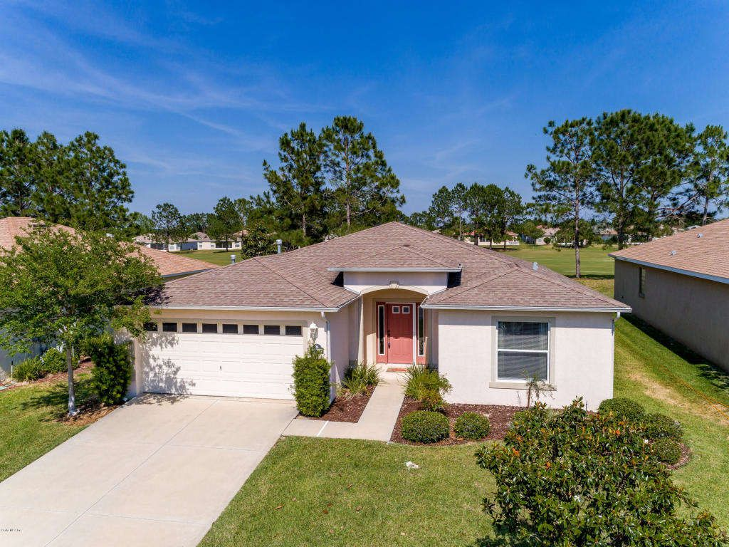 Sold Golf Course Community Ocala Fl This Beautiful Melbourne Model Offers 3 Bedrooms 2 Full Baths Featuring An Open Sale House Open Layout Land For Sale