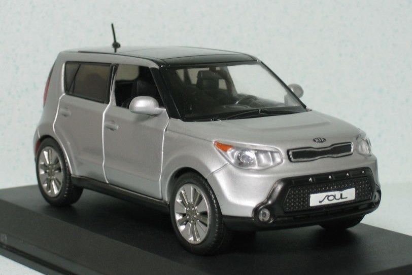 1 38 Kia 2015 All New Soul Minicar Diecast Toy Car Silver Korea Car Diecast Toy Kia Diecast