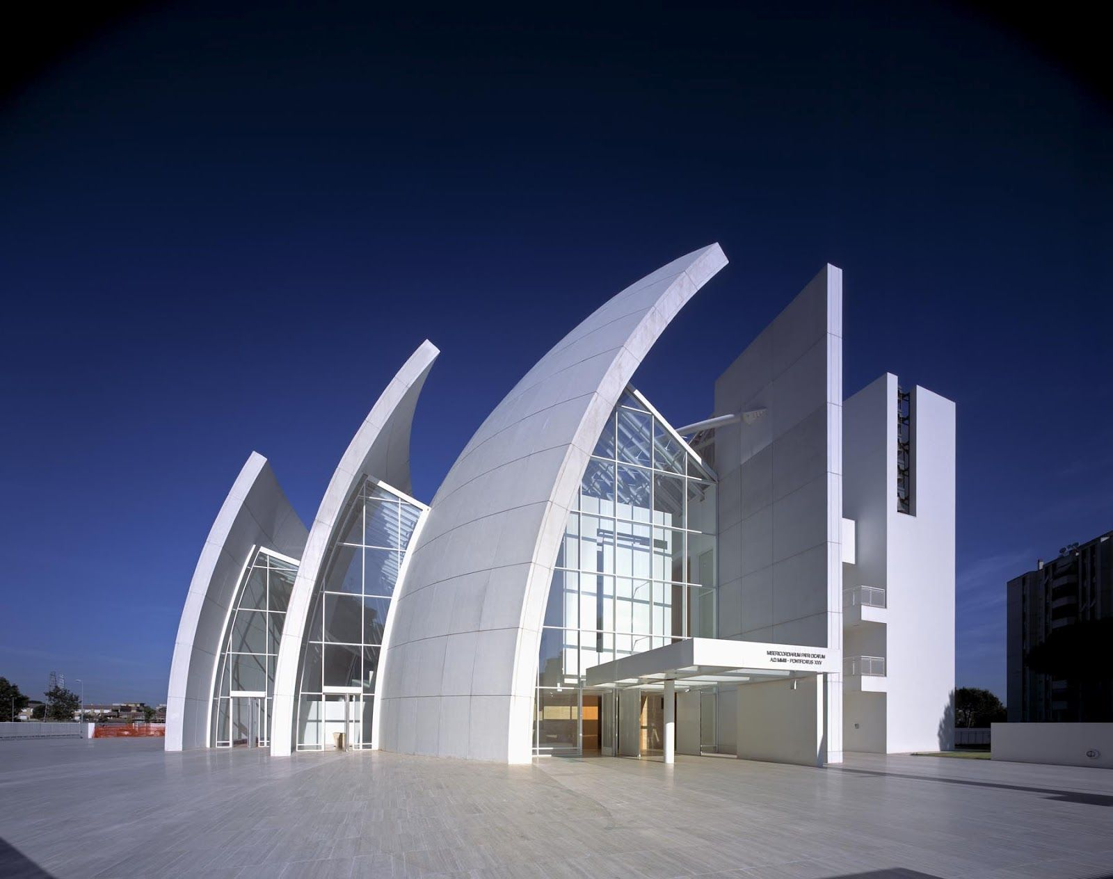 Iconic modern architecture jubilee church in rome by for Modern building architecture design
