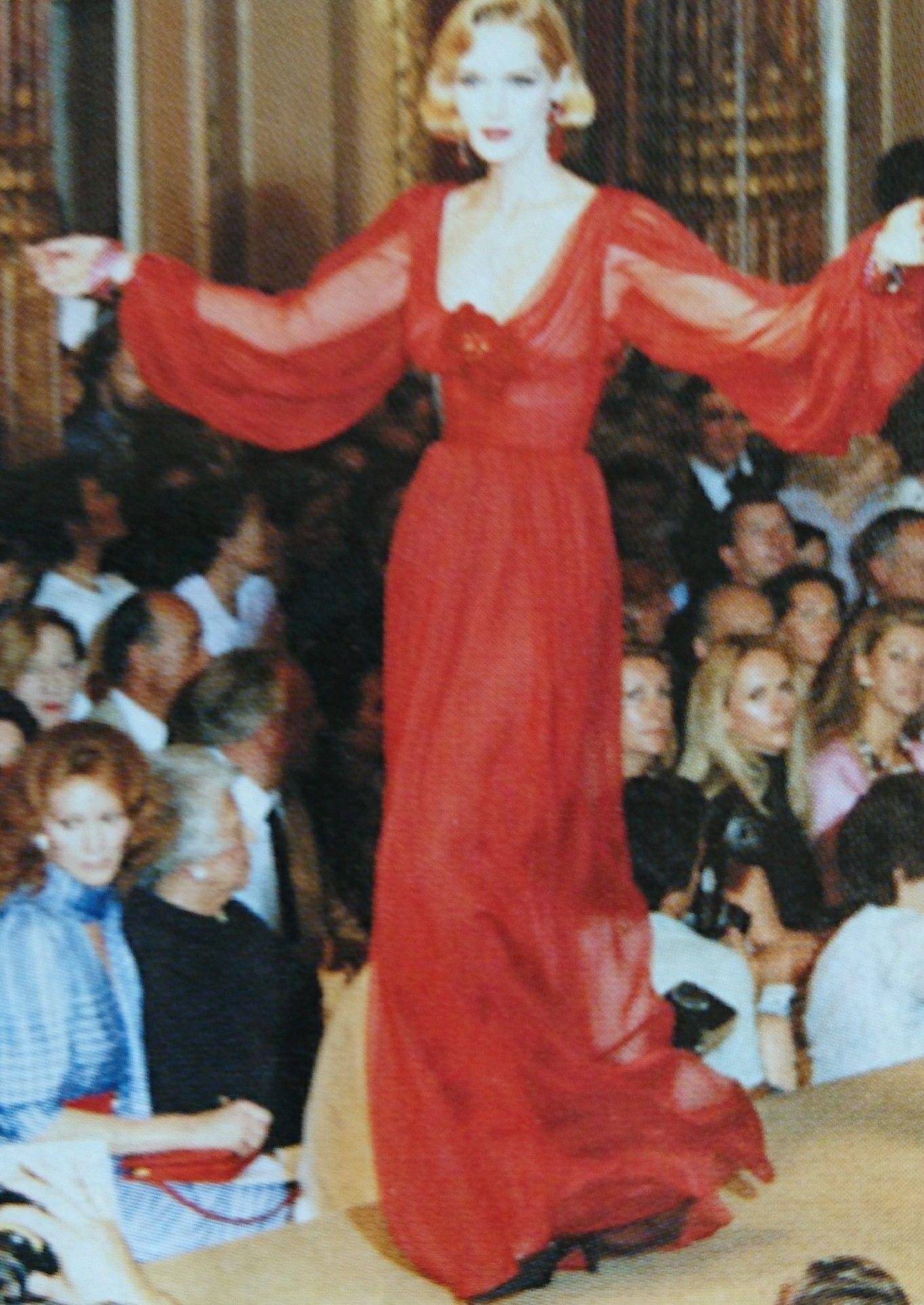 Juillet 1983. Haute couture hiver 1983/84. L Officiel 1000 modèles.
