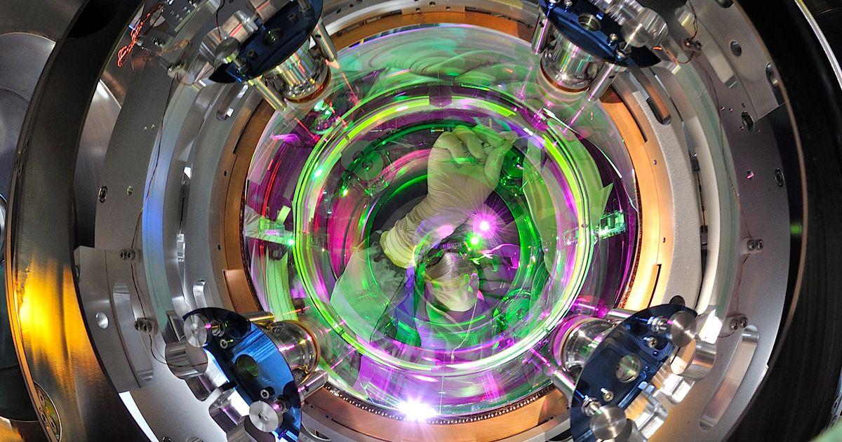 Quanta Magazine in 2020 Gravitational waves, Neutron