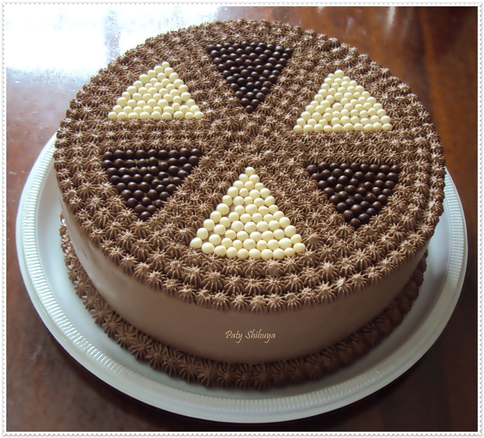 Image Result For Bolo De Chantilly Com Escrita De Chocolate