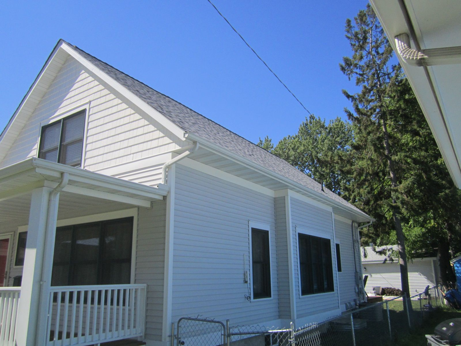 Vinyl Siding In Minneapolis Mn Mastic Brentwood Silver