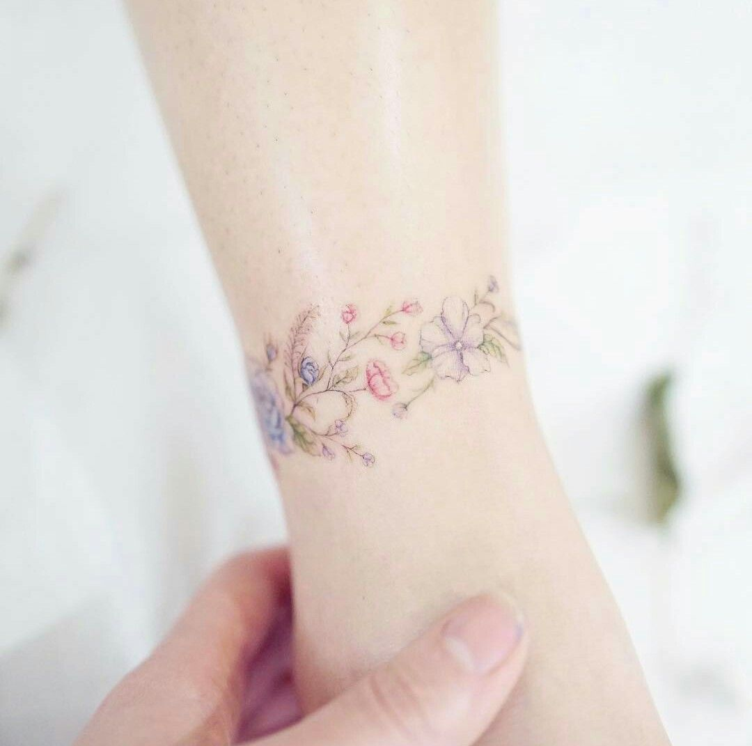 Flower Bracelet Tattoo Yes Tatoeage Ideeën Tatoeage En