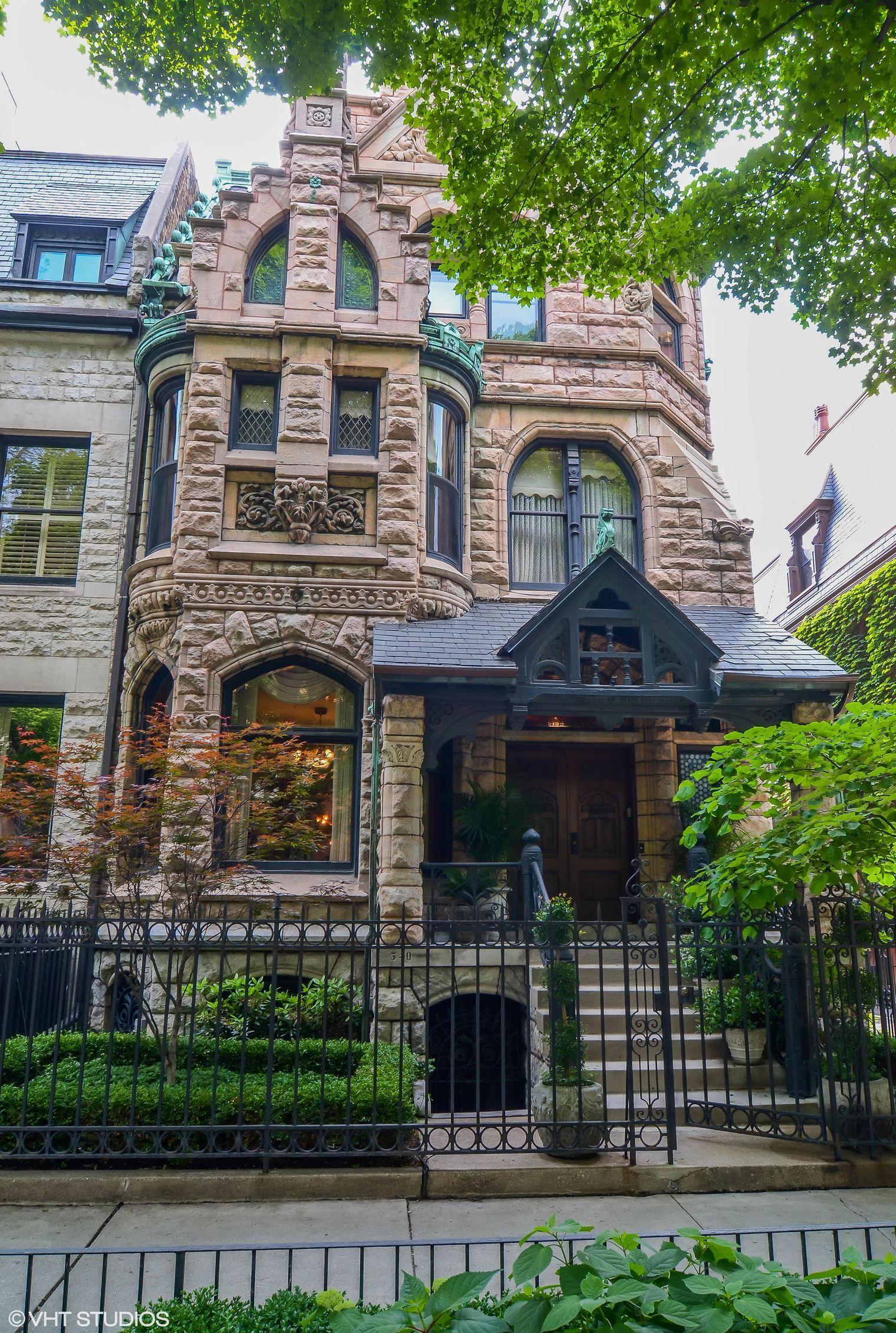 Gold coast mansion built for 19t h century beer baron
