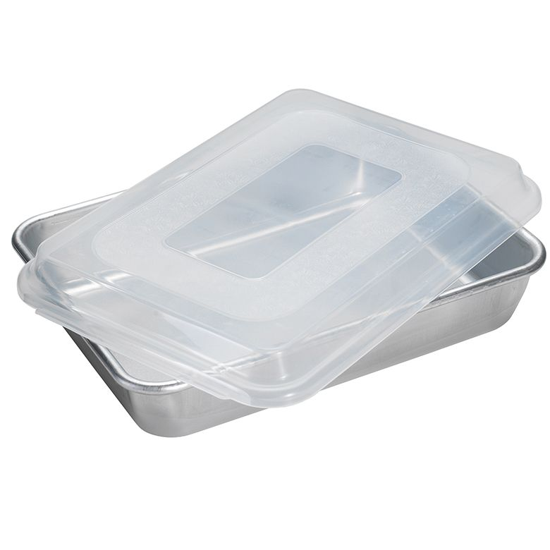 9 x 13 cake pan with storage lid nordic ware nordic