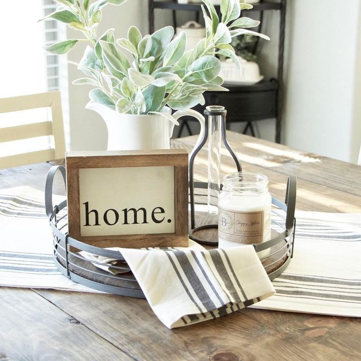 Super simple farmhouse styling for your everyday table. Easy just to remove the whole tray when you sit down to eat! #farmhousediningroom