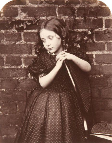 Inquietantes fotografías hechas por Lewis Carroll 848a3fe39de