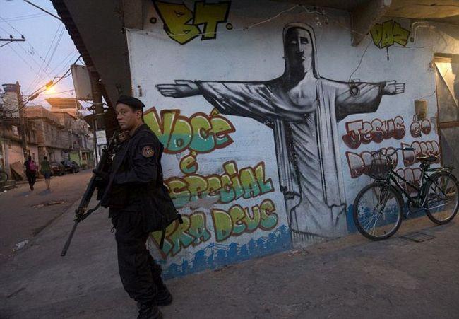 Ocupação de favelas (19)