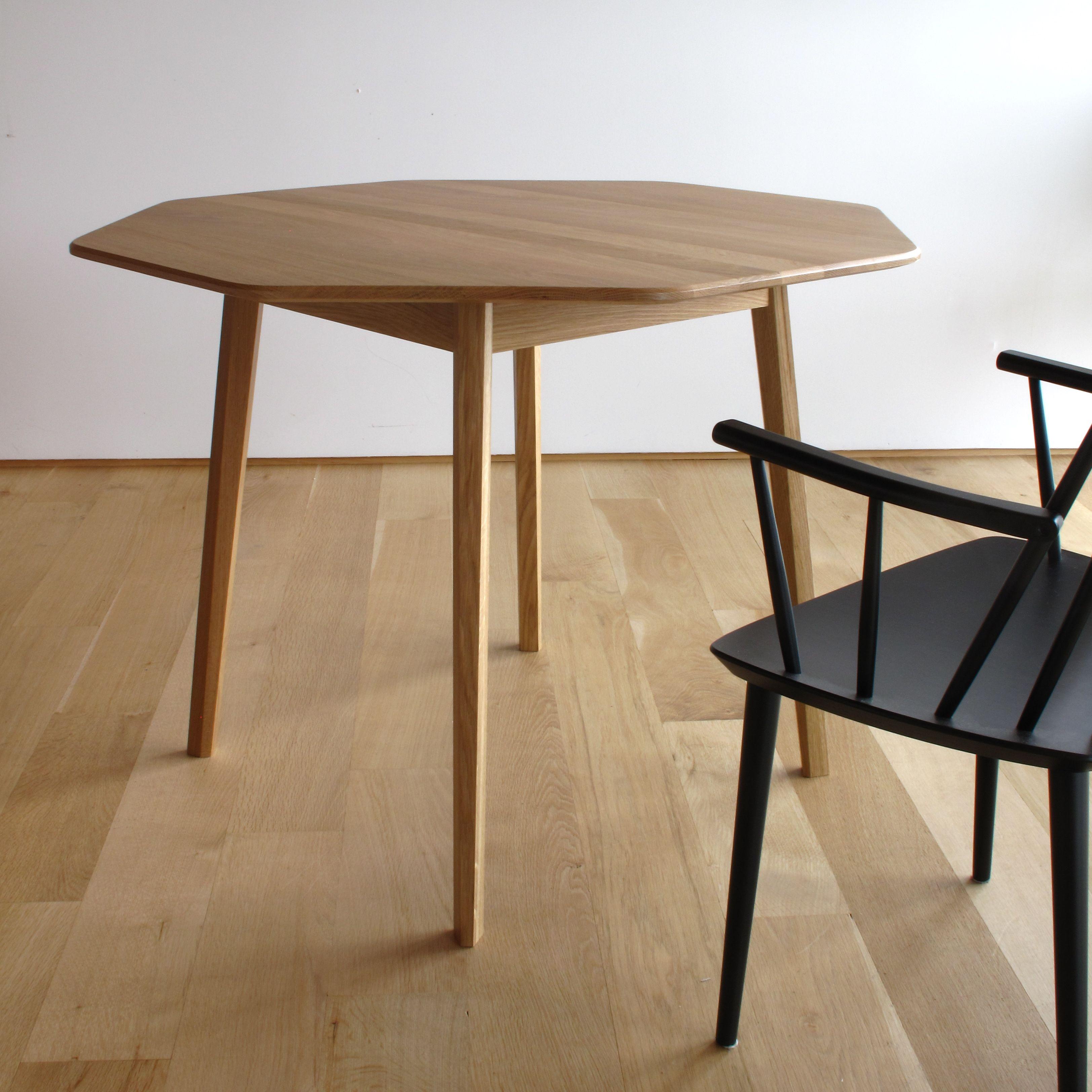 Verso Octogonal Table Oak Design By Atelier Noah For Coop Etabli Catalogue De Meubles Mobilier De Salon Chaise Salle A Manger