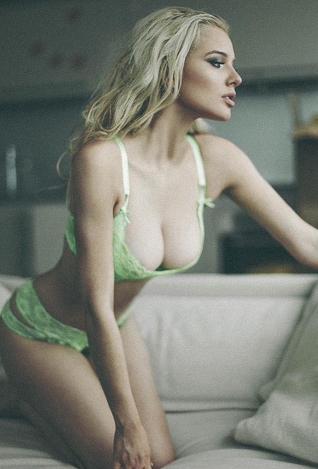 Helen flanagan wags seksi payudara terindah 2018 2019