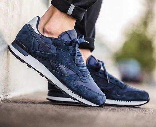 Reebok Classic Leather RE Clip: Collegiate Navy/White