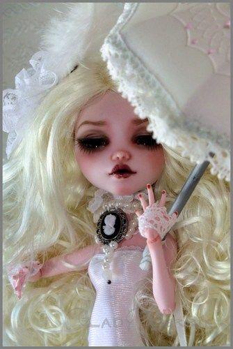 OOAK Monster High Custom Draculaura Glass Eyes Repaint by Ladyverrin Full Set | eBay