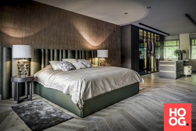 Slaapkamer inrichten met luxe bed en verlichting | Interieur ...