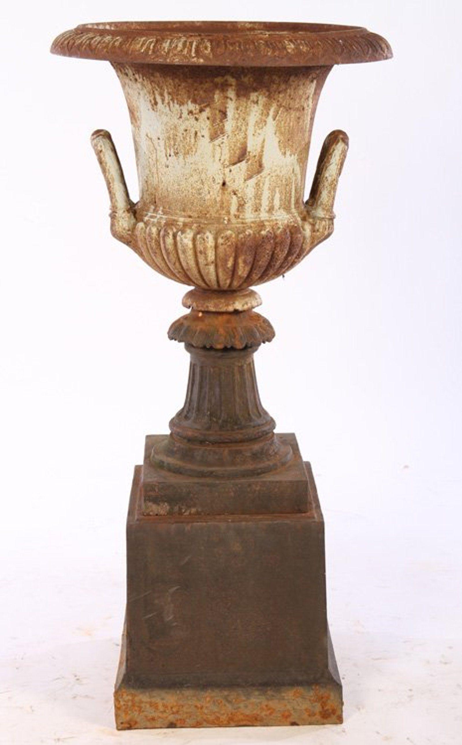 CAST IRON GARDEN URN MELON FORM C.1910 on | cast iron urns ...