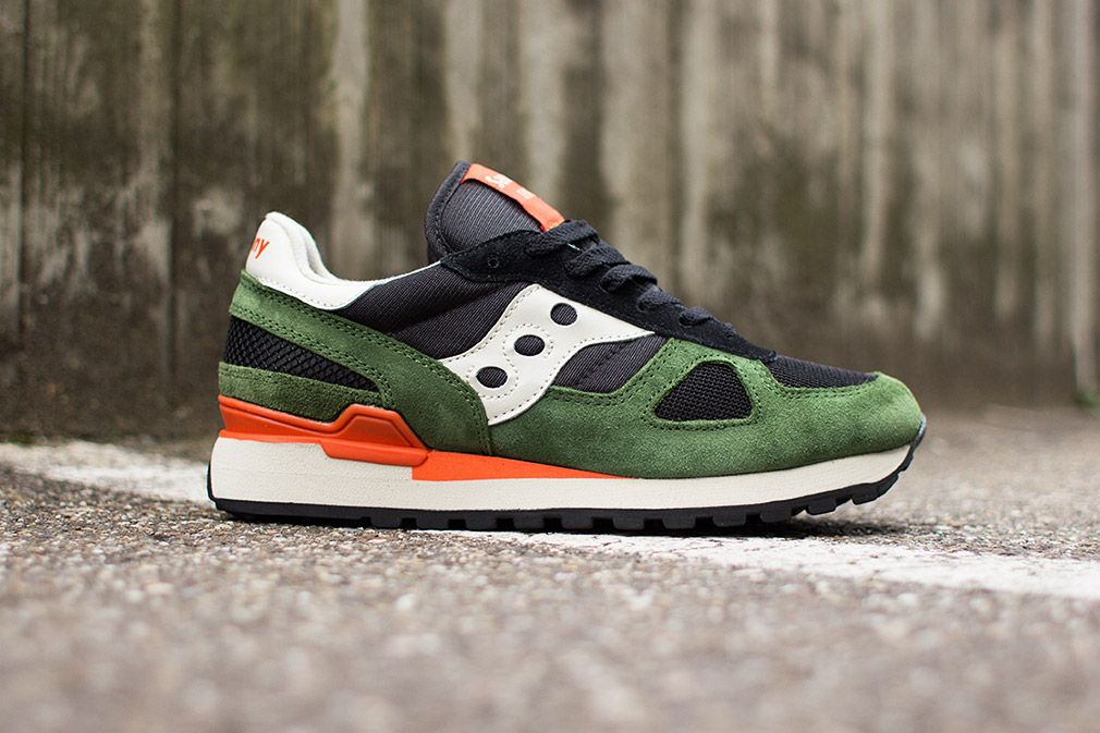 saucony black and green