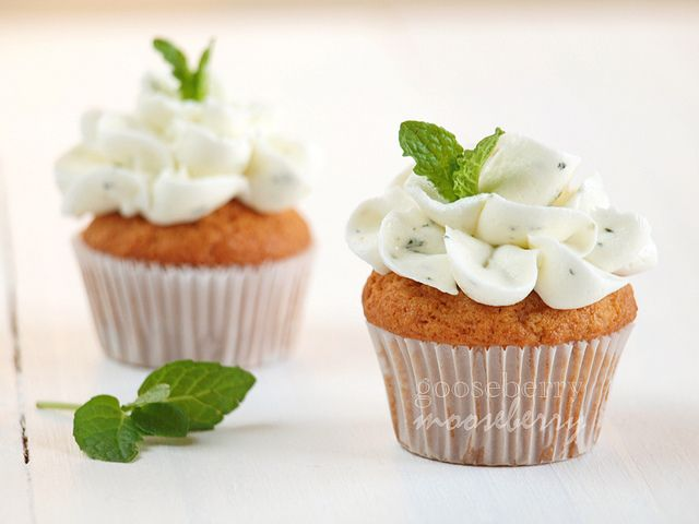 Mojito Cupcakes - Rum cake with Mint and Lime Buttercream Frosting