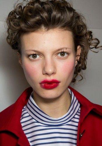 Trend makeup labbra autunno 2014: rossetti rosso fuoco, lucidi e opachi