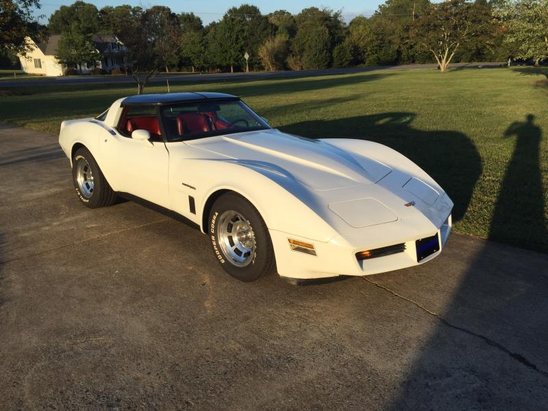 White Corvette 1982 White Corvette T-Top For Sale in North Carolina – Please visit UsedCorvettesForSale.com for more info and photos. #1982Corvette #UsedCorvettesForSale