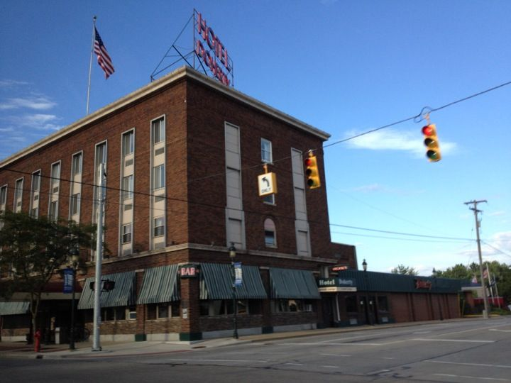 Doherty Hotel In Clare Mi