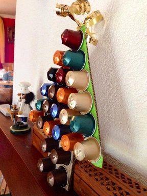 recycler vos capsules de nespresso en r alisant un sapin de no l une activit de recyclage de. Black Bedroom Furniture Sets. Home Design Ideas